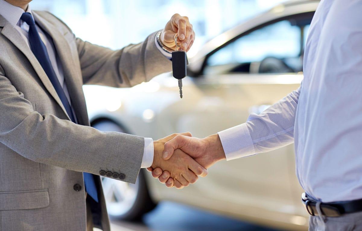 Vente d'une nouvelle voiture par un mandataire à un client