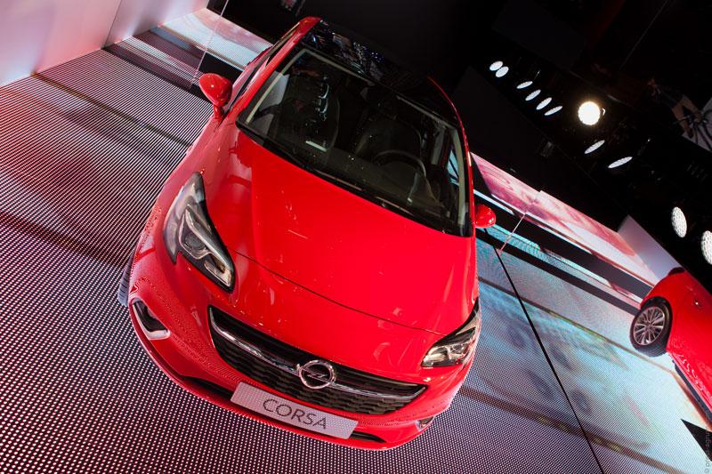 Le mandataire Opel Autoplanet avec une Corsa