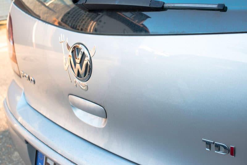 Coffre d'une Volkswagen Polo