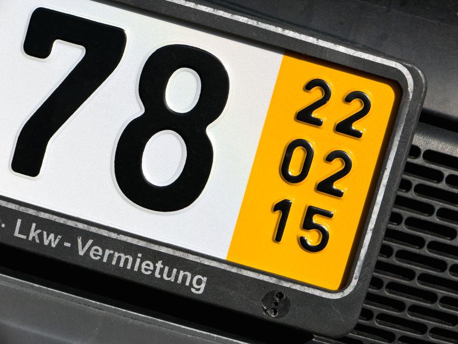 Des plaques jaunes allemande pour le transit d'une voiture importée d'Allemagne