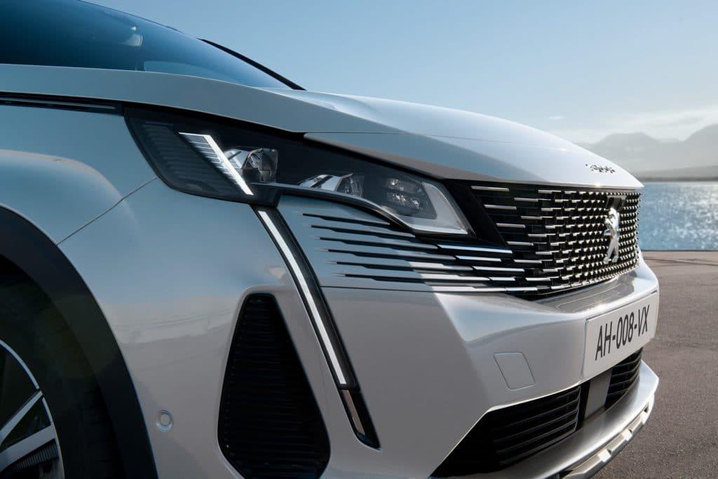Peugeot 3008 restylé 2020 calandre